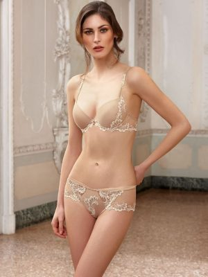 50605d9422aa7a9b81c218cf76bfd3ae--lingerie-girls-sexy-lingerie